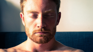 ストレス解消・不安対策に!超簡単な呼吸法「タクティカルブリージング」とは